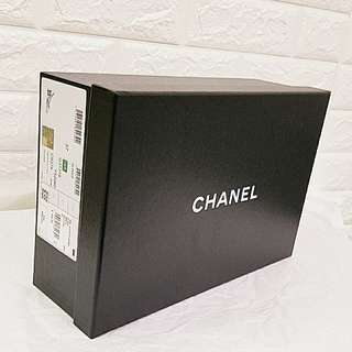Chanel 鞋盒 Shoe Box with Chanel invoice pocket