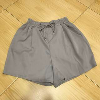 grey chill shorts
