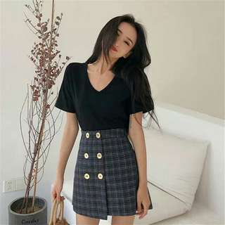 (PO) Plain V Cut Black Top