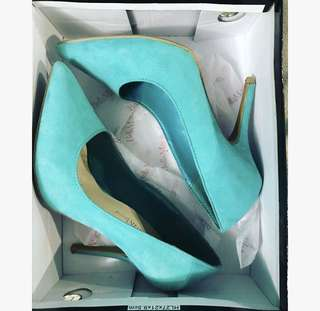 Tiffany Blue Pumps (Size 6)