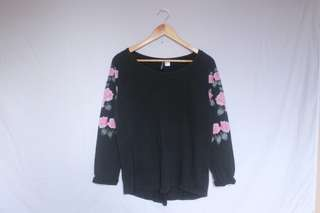 H&M DIVIDED floral pullover