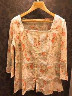 🚚 0918專櫃品牌上衣,花色好美,材質舒服又涼快