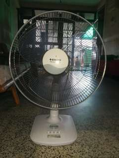 Khind Table Fan and washing machine top loading