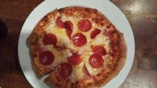 Pizza bread / pizza base