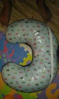 Breastfeeding pillow