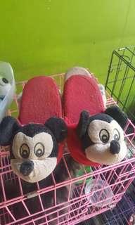 Sandal boneka mickey mouse