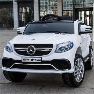 Electric Car with Remote Control - Mercedes Benz - Can sit in person