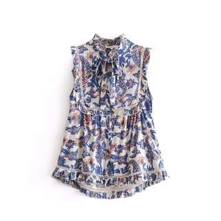 Europe and the United States Retro Palace Printing Hollow Lace-eared Sleeveless TOP