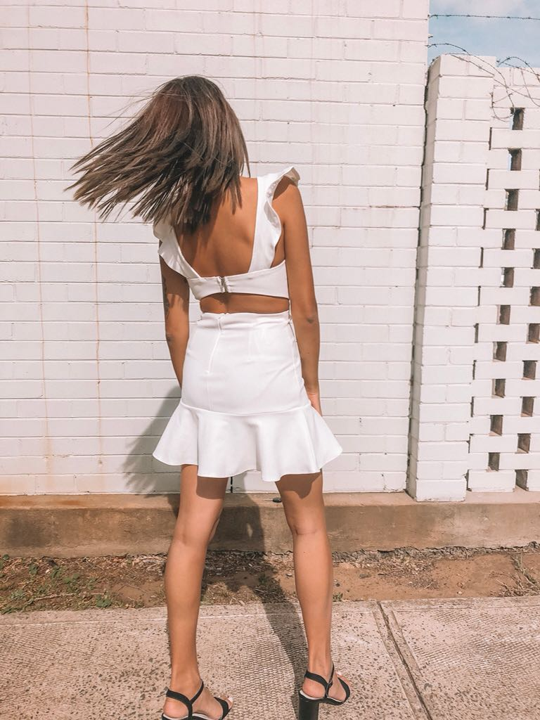 // sundae muse - new - white dress