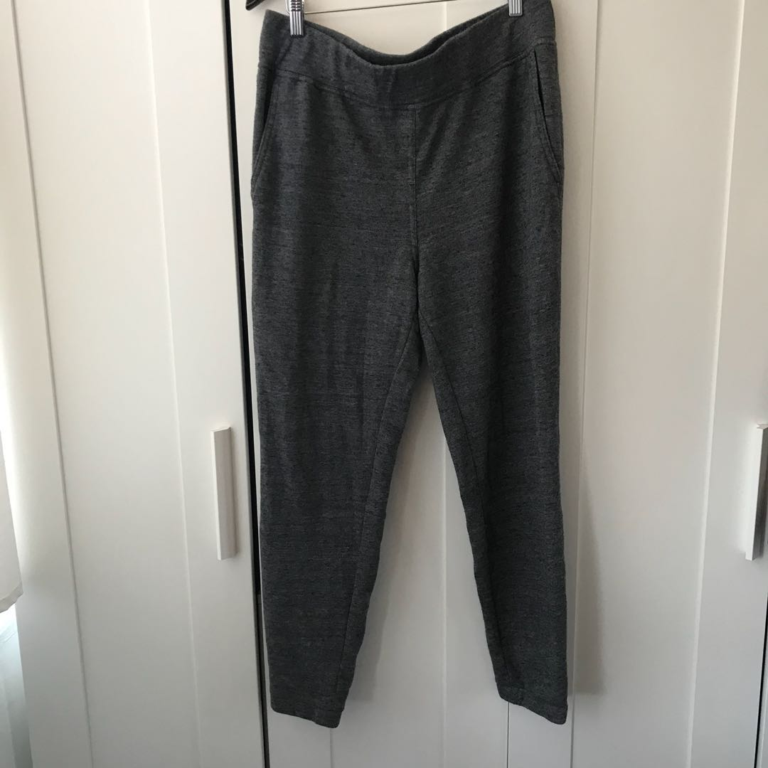 Aritzia Wilfred free dark grey sweatpants large