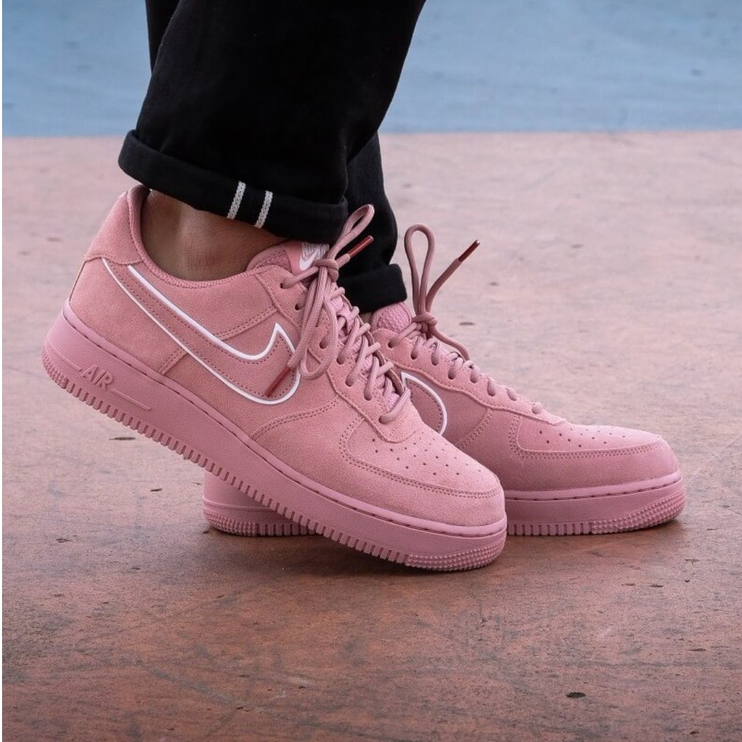 10896adbaa5 Authentic NIKE AIR FORCE 1  07 LV8 SUEDE RED Dragon Stardust