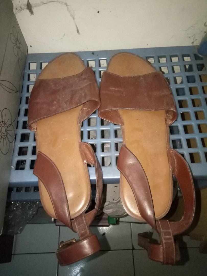 Charles n keith sandal