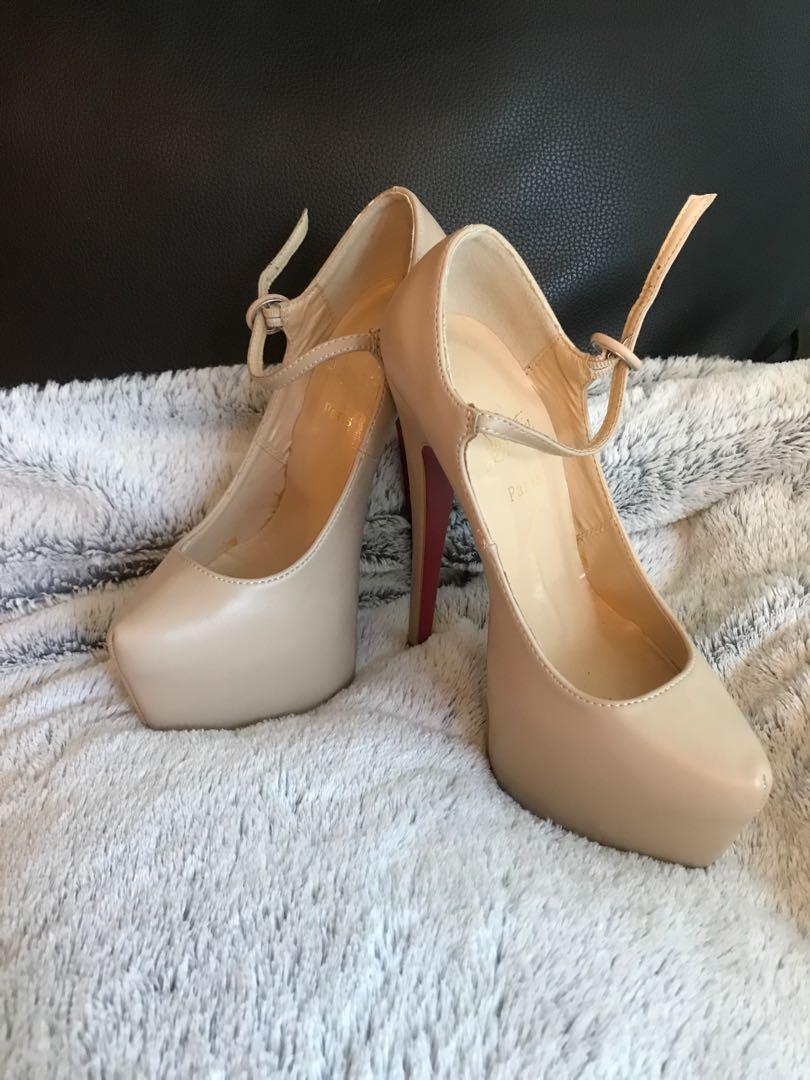 Christian Louboutin Nude Heels 👠Replica