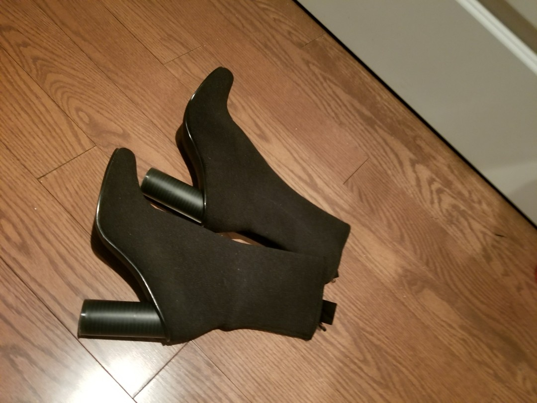 H&M black sock boot. Worn once Size 8