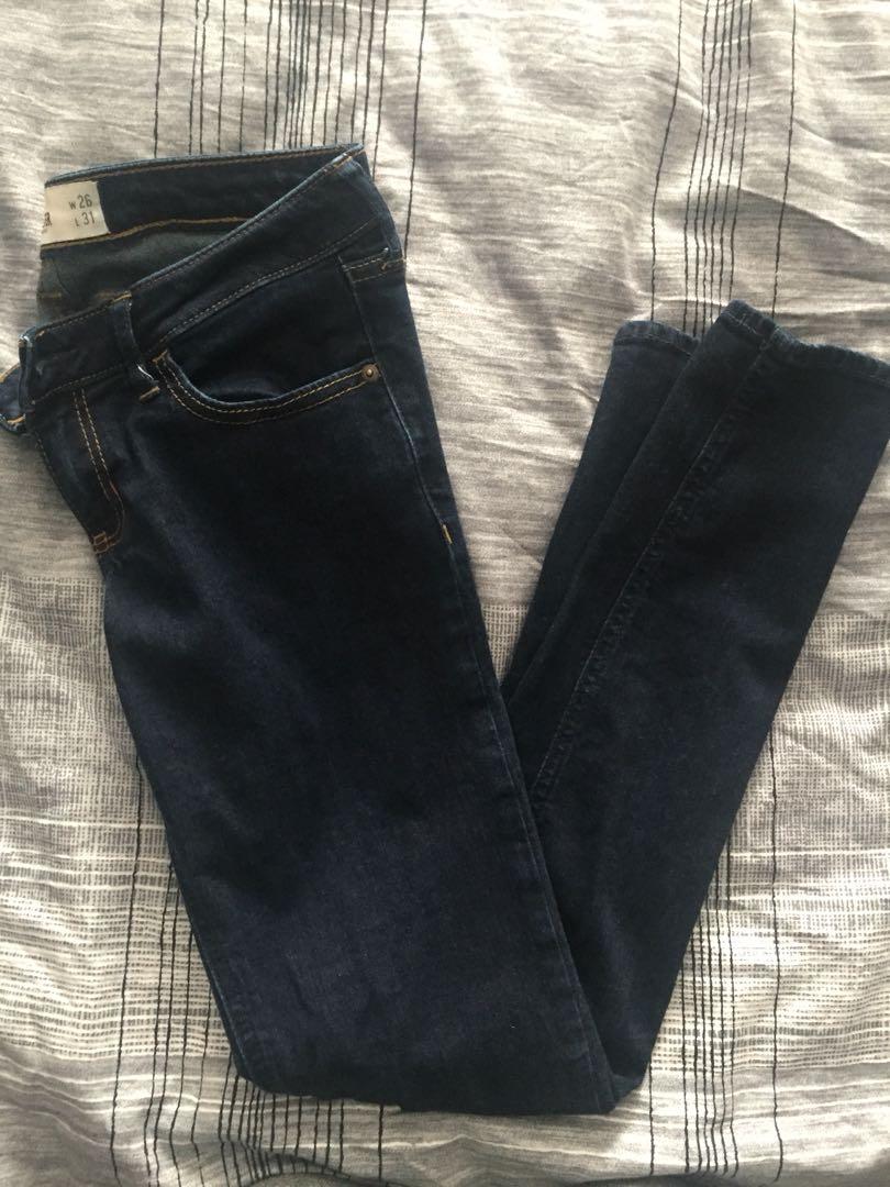 Hollister dark wash jeans (3R)
