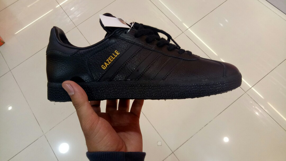 jual sepatu adidas Jual Sepatu Adidas Original 100%-Model Terbaru Sepatu  Adidas 2018. Harga Termurah ... 5c3b7fba4b