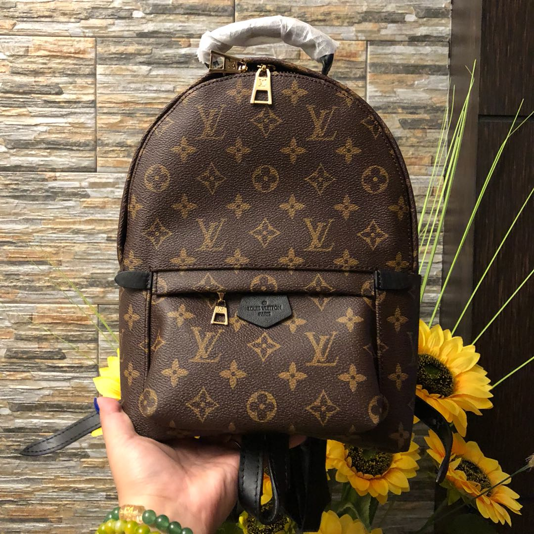 LV BACKPACK 🎒 High end quality