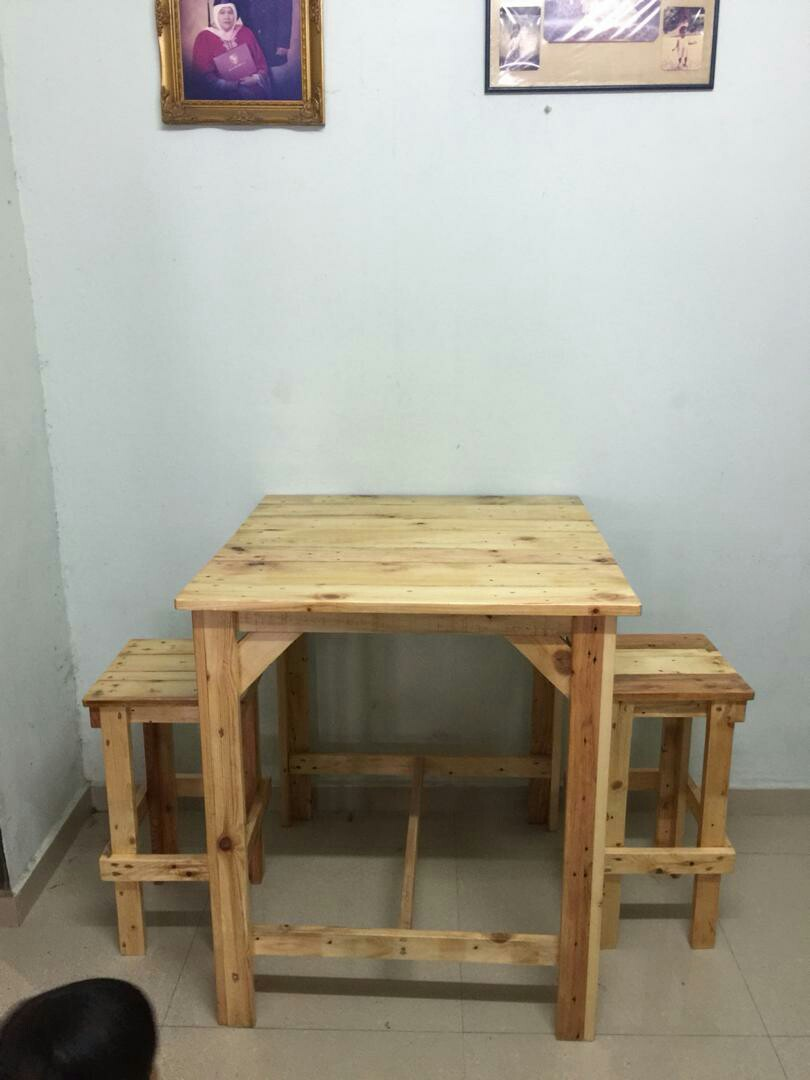 Set Meja Makan Tinggi 2 Kerusi Kayu Pallet Home Furniture On Carou