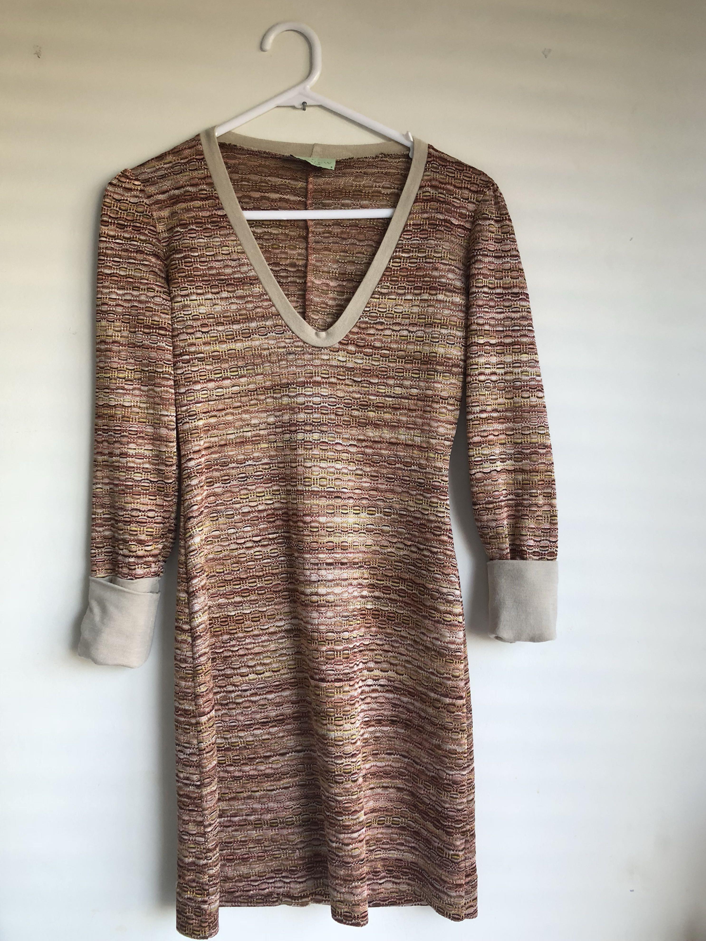V-Cut Gogo dress