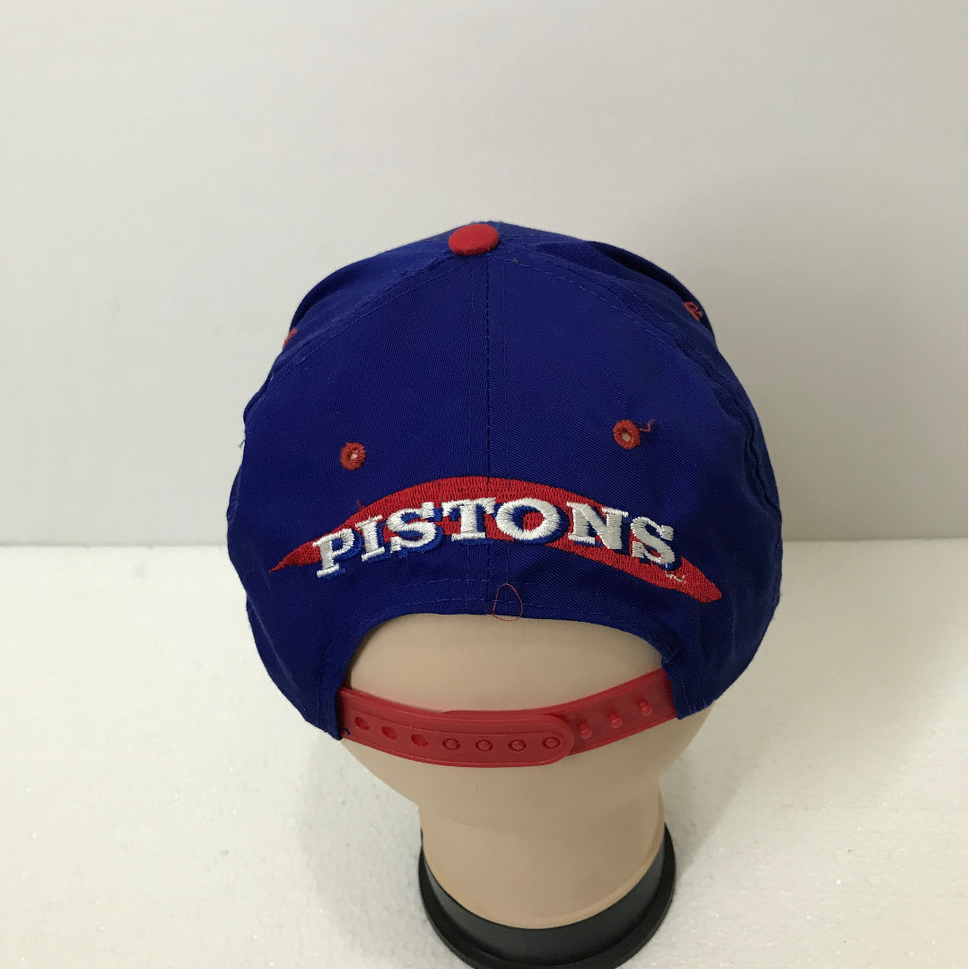 6b7e43f79ddb7 Vintage 90s DETROIT PISTONS Spell Out Big Logo Embroidered Baseball Cap  Official Licensed nba Snapback Hat