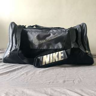 NIKE GYM DUFFLE BAG (LARGE)