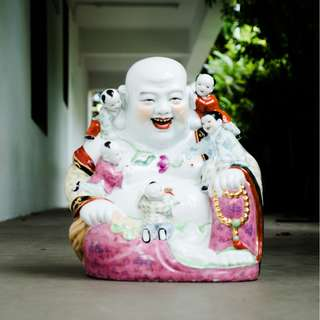 DC005 Porcelain Laughing Buddha statue