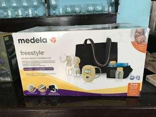 medela freestyle breastpump with a freebie
