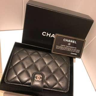 全套齊 Chanel 經典銀包classic black Wallet Lambskin