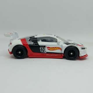 Hot Wheels Audi R8 LMS