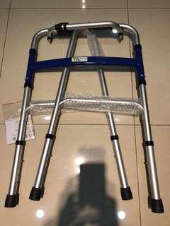 🚚 9.9成新的行走輔助器、支架、拐杖