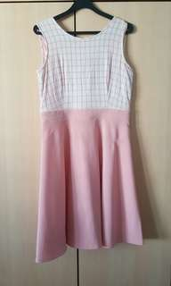 Bare back Pink Dreas