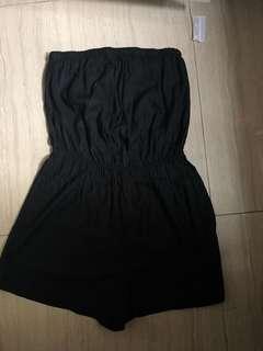 Black romper 黑色連身褲 (ON HOLD)