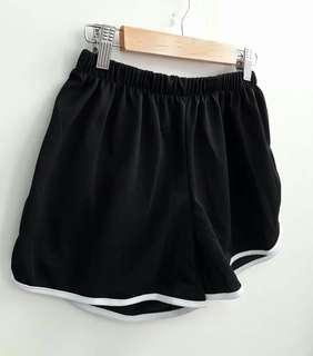 熱銷現貨超顯瘦短褲