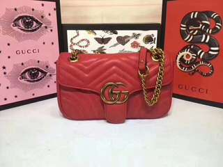 Gucci Marmont in red