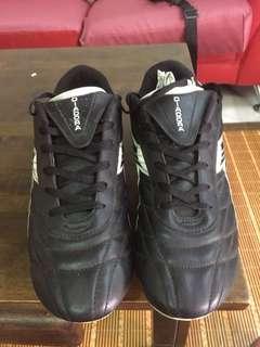 Diadora boots 12