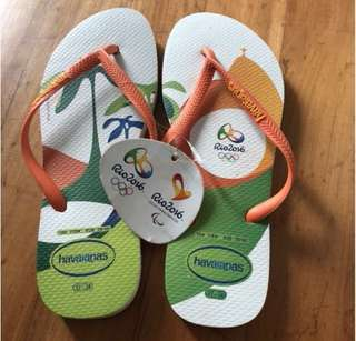 Havaianas Olympic Slippers (white)