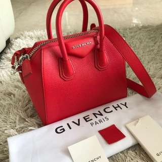 Givenchy Antigona Red Grained Leather 2017