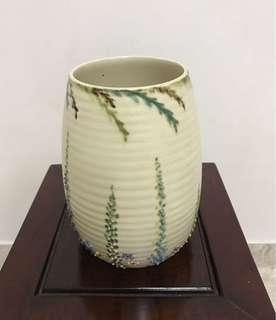 England Shorter & Son Ltd Vantage Vase