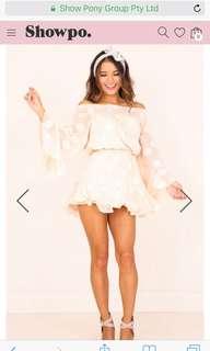 Show po nude dress