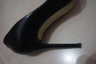 FREE Janylin Black High Heels