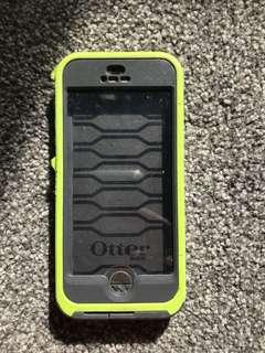 iPhone 5 fully waterproof otter box