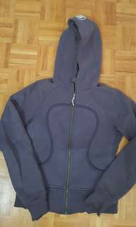 Size small lululemon sweater