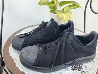 Superstar Bouncr Prime knit Triple black