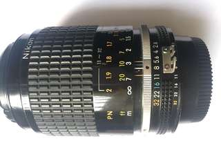 Nikon nikkor micro 105mm f2.8 AIS manual focus