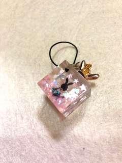 手作 小兔閃星星片粉紅色立方體吊墜 電話繩 項鏈 一球一世界