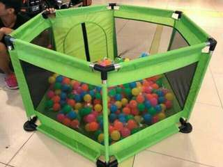 Play pen balls not included