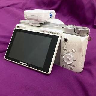 Kamera Mirrorless Samsung NX 3000