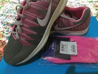 Sepatu Nike kece free kaos kaki Terbatas