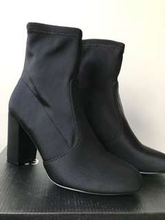 Black Neoprene Boots