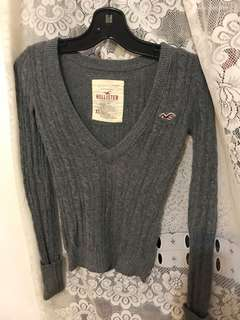 Hollister gray knit sweater